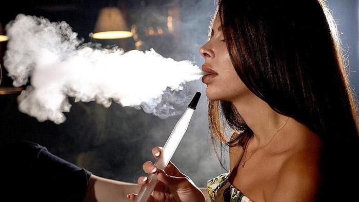 smoke shisha while breastfeeding